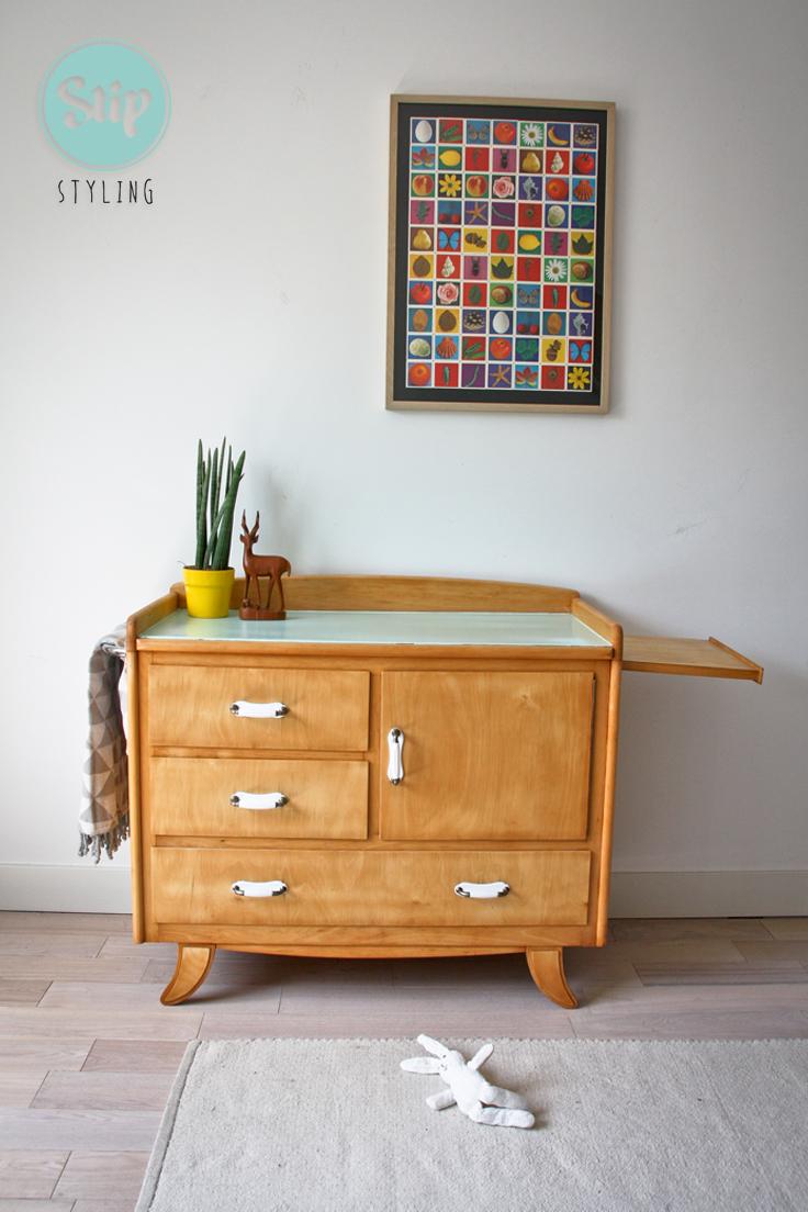 commode retro met mintgroen blad stip styling. Black Bedroom Furniture Sets. Home Design Ideas