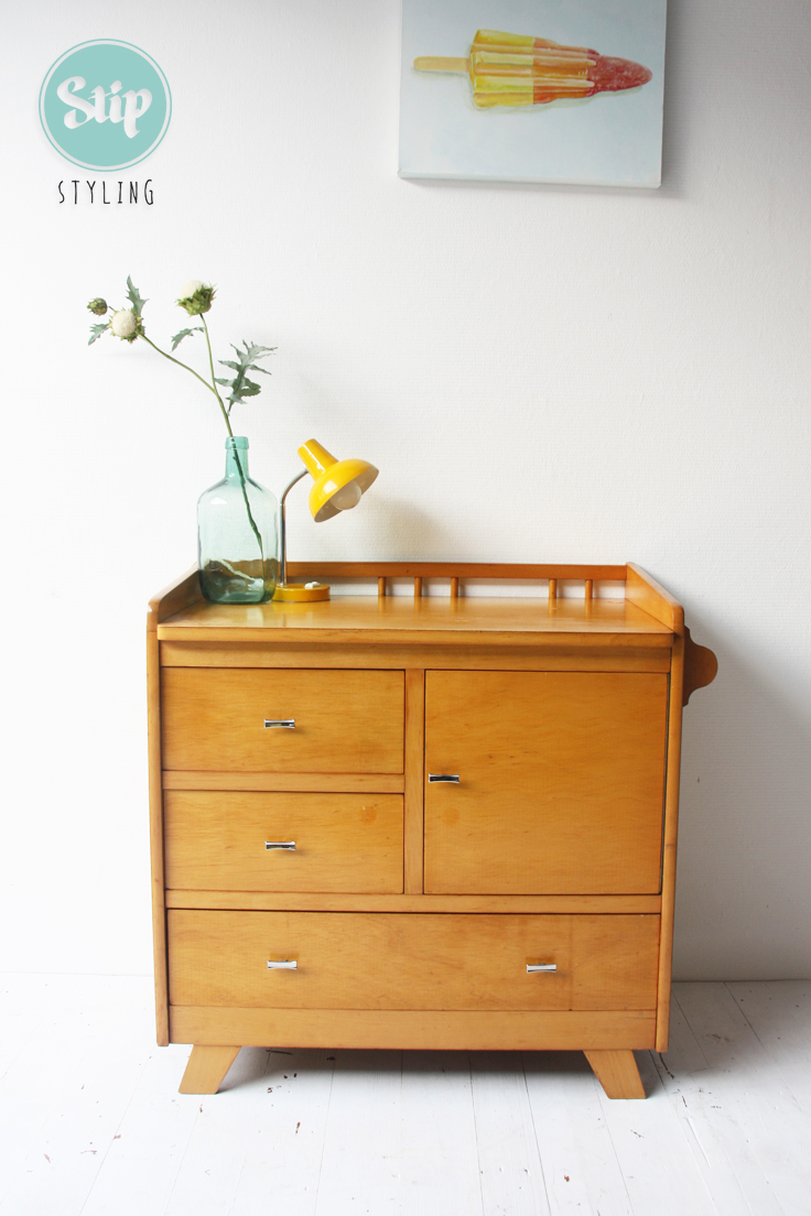 vintage commode hout stip styling. Black Bedroom Furniture Sets. Home Design Ideas