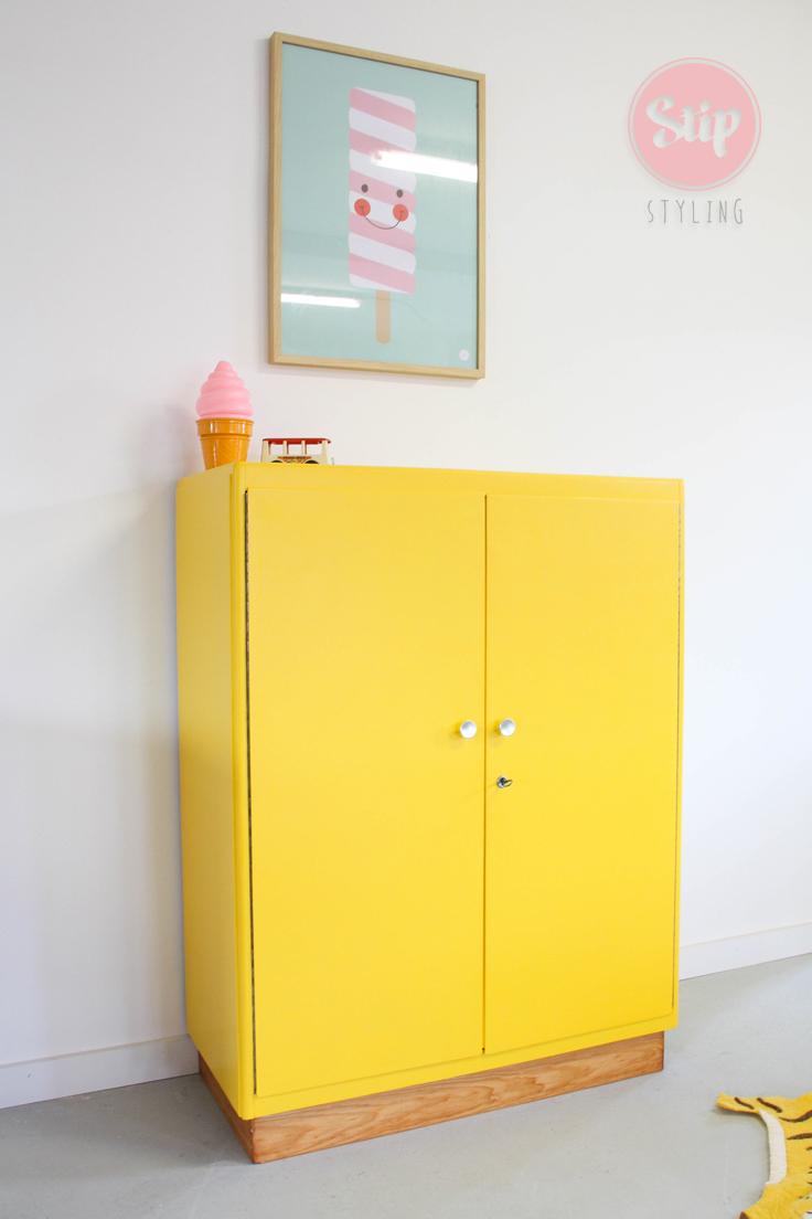 Vintage Kinderkamer Kast 041902